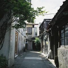 月江寺とフジファブリック 61 (Hisa Foto) Tags: alley film planar rollei tlr rolleiflex