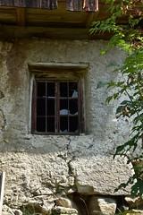 Verlassen (dorotheazinsser) Tags: fenster window südtirol nikon herbst