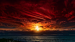 Cloudy Sunset at Playa Inglés (Jörg Bergmann) Tags: islascanarias lagomera playainglés puestadesol vallegranrey atardecer canaryislands clouds españa gf7 gomera lumix m43 mft microfourthirds panasonic seascape sky spain sun sunburst sunset travel vacation skyscape panasonic1232mmf3556 hss