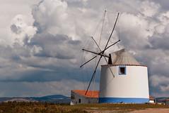 Windblown (TablinumCarlson) Tags: portugal algarve الغرب europa europe atlantik atlantic leica m8 m summicron luft himmel wolken sky landschaft vale da ribeira de seixe odeceixe aljezur odemira parque natural do sudoeste alentejano vicentina sudoes 90mm windmühle mühle mill windmill windblown wind sturm storm leicam cloud woke clours bedeckt cloudy wolkig