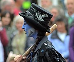 Boggart's Breakfast - Sidmouth Folk Festival, Sidmouth, Devon - Aug 2017 (Dis da fi we (was Hickatee)) Tags: boggart boggarts breakfast siodmouth folk festival morris men dance dancers explore explored inexplore blue hat smile face paint glasses stick