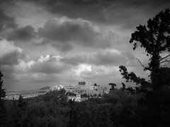 iconic (vfrgk) Tags: acropolis parthenon athens antiquity cityscape trees cloudy cloudscape cloudporn cloudysky bnw bw monochrome blackandwhite architecture classical landmark iconic