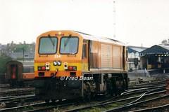 Irish Rail 204 in Heuston Station. (Fred Dean Jnr) Tags: iarnrodeireann irishrail generalmotors 201class locomotive 204 heustonstationdublin april1999 dublinheustonstation