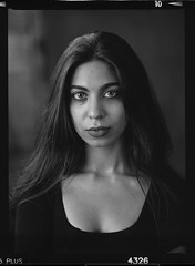 Kitty (pixel-art) Tags: women pakistan noirstudio portrait longhair mamiya645protl sekorc8028n ilford filmphotography 120film collarbone schlüsselbein