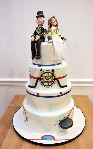 Bruins Hockey Figurines Wedding Cake