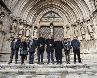 El president de la Generalitat, Ximo Puig, firma la declaración de intenciones para la rehabilitación de la Perta de los Apóstoles de la Iglesia de Santa María la Mayor de Morella (11/02/2018)