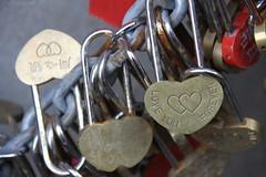 ~~~ (Mao photo.haikued) Tags: lovelocks chains heart happyvalentine mao ~m~ photohaikued