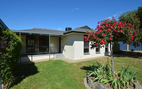 2 Gemstone Place, West Albury NSW 2640