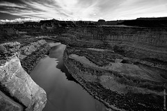 Colorado River In Canyonlands National Park, Utah (thedot_ru) Tags: coloradoriver canyonlands nationalpark utah travel blackandwhite bw adventure wanderlust sunset sunrise river water redrocks mountains formations sky skyporn clouds canon5d 2015