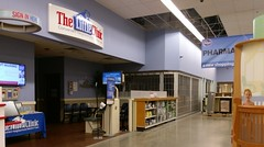 Little Clinic and pharmacy (l_dawg2000) Tags: 2018remodel cordova delicatesen grocery grocerystore healthbeauty kroger labelscar marketplace meats memphis pharmacy produce remodel retail scriptdécor shelbycounty supermarket tennessee tn trinitycommons cordovamemphis unitedstates usa