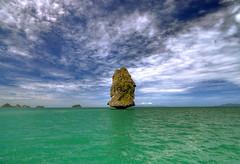 Icons of Thailand (Robyn Hooz) Tags: rocce thailand angthong pillar colonna mare siam gulf wonder geology awesome island samui