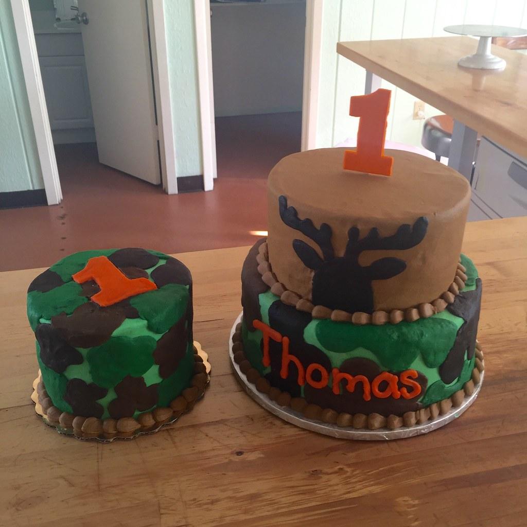 Camo Backhomebakerytx Tags Kids Birthday Cake Two Tier Smash Hunter Hunting Deer