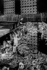 Faith - Aparecida (SP) Brasil (#WLMainente) Tags: faith fé igreja aparecida brasil brazil vela candle church blackandwhite blackwhite bw pray praytherosary