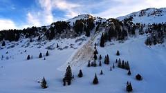Off-Piste Danger (Daphne-8) Tags: avalanche lawine snow schnee sneeuw mountains bergen alps switzerland zwitserland schweiz svizzera svizra suiss suiça suiza