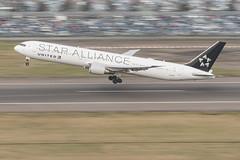 JJH_0518 (junipahjh) Tags: aviation heathrow nikon panning united