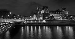 Paris monochrome (Thierry.Vaye) Tags: nb monochrome paris mairie hôteldeville laseine