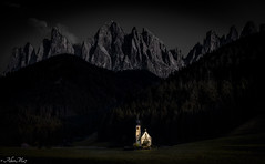 the guardian of the mountain under the moon (AlbertMu7) Tags: night landscape mountain dark paisaje paysage aky cielo roca alberto dolomite italy italia