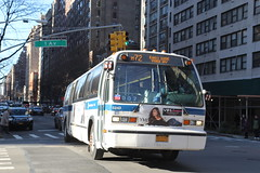 IMG_4732 (GojiMet86) Tags: mta nyc new york city bus buses 1999 t80206 rts 5243 m72 72nd street 1st avenue
