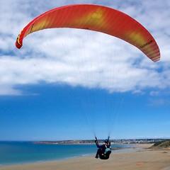 une meilleure vue sur le Cap d'Erquy (Patrick Doreau) Tags: kite parapente vol bleu erquy bretagne sport mer