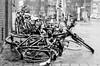 Der Wind, der Wind (chipsmitmayo) Tags: nikon f100 kodak trix 400 film analog schwarzweiss blackandwhite münster westfalen labor friederike sturm rad bike bicycle