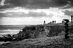 marcher vers la lumiere (Hélène Baudart) Tags: nb contrejour mexique mer ile