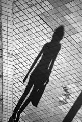 Shadow (Pablo Utrilla) Tags: streetphotography streetphoto street spain shadow woman blackandwhite bw bnw europe españa andalucia