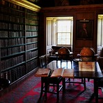 La bibliothèque, Traquair House (XVIIe), Innerleithen, Scottish Borders, Ecosse, Royaume-Uni. thumbnail