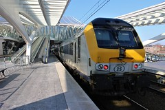 I11 @ Liège-Guillemins (belgiancommuter) Tags: 200 i11 nmbs coaches coach sncb luik liègeguillemins train trains b station gare perron trein
