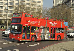Y194NLK London City Tour (martin 65) Tags: birmingham bus buses e200 mmc borismaster lt national express enviro london road transport public group vehicle warwickshire greater