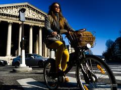 Street - A Paris, à vélo (François Escriva) Tags: paris france street streetphotography candid people sky blue bike bicycle bag basket madeleine place church colors sun light yellow olympus omd photo rue