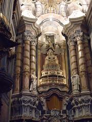 Capela-mor (sftrajan) Tags: igrejadosclérigos porto portugal nicolaunasoni clérigoschurch interior iglesia church altar arquitecturabarroca igreja baroque arquiteturabarroca baroquearchitecture capelamor