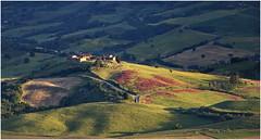 The Tuscany Theme (kurtwolf303) Tags: tuscany toscana italy italia italien landscape canoneos600d hills hügel lightshadows lichtschatten buildings gebäude felder fields agriculture landwirtschaft kurtwolf303 digitalphotography