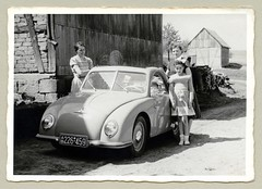 """Champion 400 H (Vintage Cars & People) Tags: vintage classic black white """"blackwhite"""" sw photo foto photography automobile car cars motor vehicle antique auto schnellaster mountains mountainside 1950s fifties fashion lady woman child childhood girl boy family microcar bubblecar champion champion400"""