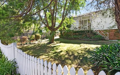 2 Hewitt Av, Wahroonga NSW 2076