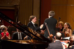 Orchestra della Toscana, Concerto di Natale (Teatro Verdi di Firenze, Rustioni/Taverna)