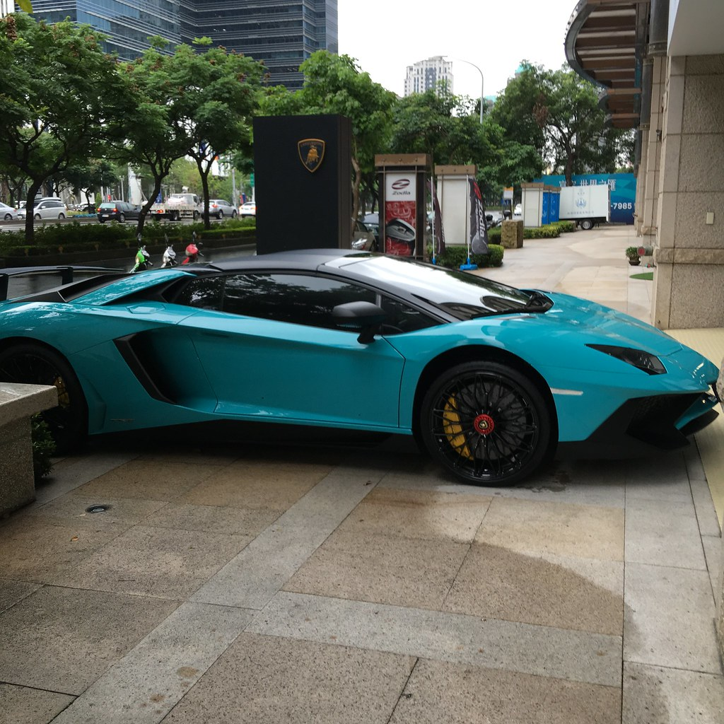 The World S Best Photos Of Blu And Lamborghini Flickr