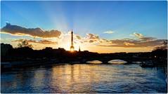 P2520933 (cowsandgirl71) Tags: panasonic paris photomatix fz200 france pont soleil reflet eau eiffeltower