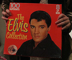 Elvis Presley (Steenvoorde Leen - 6.9 ml views) Tags: doorn 2018 utrechtseheuvelrug kringloopwinkeldoorn record lp elvis elvispresley oldrecord pieterpak zwartepiet