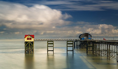 Mumbles Pier (oliver.herbold) Tags: mumbles pier swansea bay gower sea meer seascape lifeboat structure clouds wolken colours farben longexposure langzeitbelichtung oliverherbold