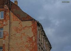 """""""Sanierungsbedürftig!"""" (joergpeterjunk) Tags: leipzig outdoor architektur haus sanierung sanierungsbedürftig himmel wolke canoneos50d canonefs1785mmf456isusm leipzigmöckern"""