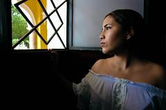 La esperanza de una mexicana. (Shugoldomor) Tags: portrait retrato face mexican méxico shadow hope esperanza women mujer beauty