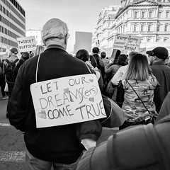 Let our dreamers come true (ep_jhu) Tags: 2018 crowds washington march womensmarch dreamers antitrump bw pixel2 signs google dc rally protest districtofcolumbia unitedstates us