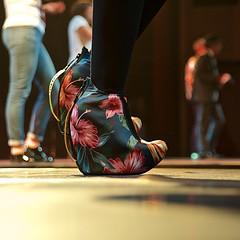 Chaussons grand confort (mifranc91) Tags: concert coulisses d700 lumières nikon scène spectacle troupe zicos