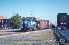 Good Morning, Sharon! (jwjordak) Tags: trainyife11 gp382 cr buildings local city lhf 8189 parkinglot conrail train sharon pennsylvania unitedstates us
