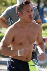 94 Rock 'n' Roll Marathon (Omunene) Tags: humanarocknrollmarathonneworleans2018 brooks race marathon 42195k 26219m esplanadeavenue faubourgstjohn neworleans runners shirtless pecs nipples navel bellybutton chest