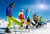 Bezpieczne narty, czyli ferie bez kontuzji (mmanuals) Tags: ski skifahrer skifahren gruppe winter wintersport schnee reihe banner sonne urlaub skiurlaub männer frauen familie teenager kinder kind freizeit ferien skier hoch skispitzen sonnig himmel blau blauer berge gebirge alpen arlberg panorama gipfel ausrüstung skiausrüstung helm paar leute sportler sportlich glücklich glückliche germany