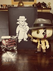 Booklet and pin (Black Rose Bride) Tags: fallout4 bethesda nickvalentine funkopop