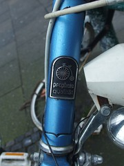 prophete qualitäte (mkorsakov) Tags: dortmund city innenstadt fahrradständer bikerack fahrrad bike bicycle logo vintage retro prophete hochrad pennyfarthing highwheel