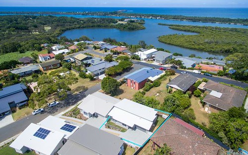 2/4 Pearse Street, Banora Point NSW