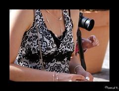 DSC01683 (Pascal Rey Photographies) Tags: femmes ladies mujeres donnas frauen mädchen woman women femme lady dames damen dame décolletés photographiecontemporaine photos photographie photography photograffik photographiedigitale pascalreyphotographies popart pop pascalrey nikon d60 d700 neckline